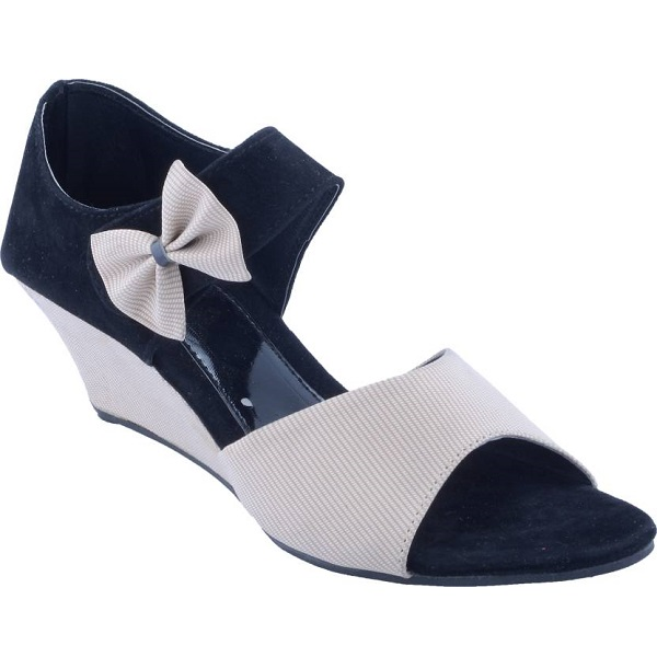 Fabme Women White Wedges